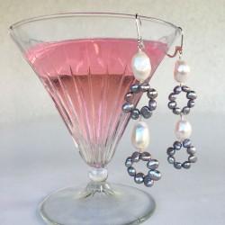 Eunomia Perlenohrringe aus Süsswasserperlen und Silber