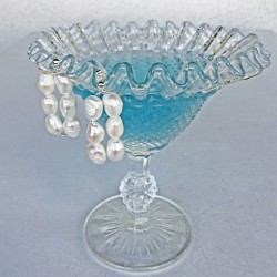 Thoe Perlenohrringe (Stecker) aus Süsswasserperlen und Silber