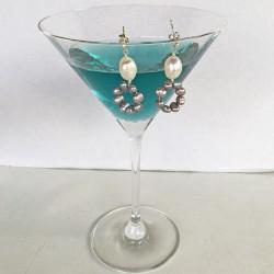 Eunomia Perlenohrringe kurz aus Süsswasserperlen und Silber