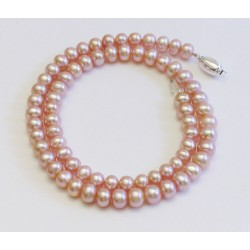 Klassische rosa Perlenkette aus Süsswasserperlen mit Silberverschluss. Länge nach Wunsch.
