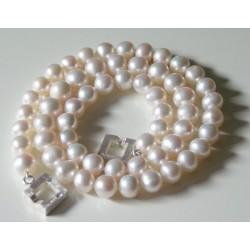 Klassische Perlenkette Alea mit modernem Silberverschluss. Länge nach Wahl.