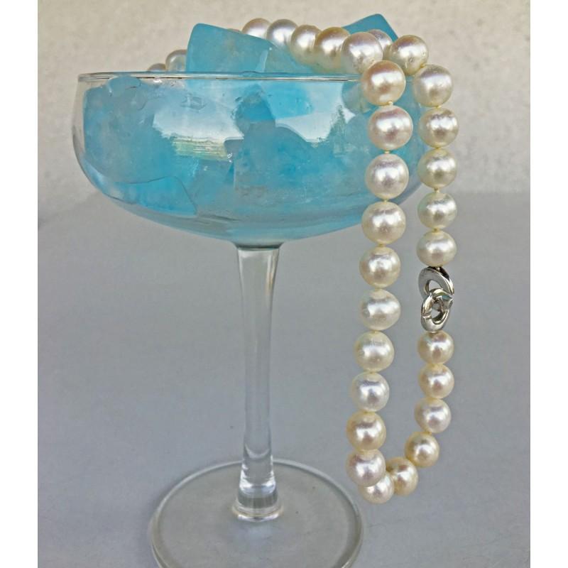 Klassische Perlenkette Selene, Süsswasserperlen mit modernem Doppelring Verschluss aus Silber. Länge nach Wahl.